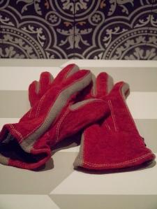 gloves_3